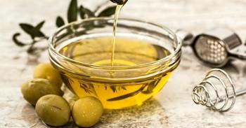 memutihkan kulit dengan minyak zaitun
