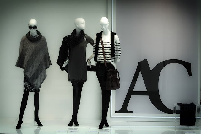 how to increase retail foot traffic with better curb appeal