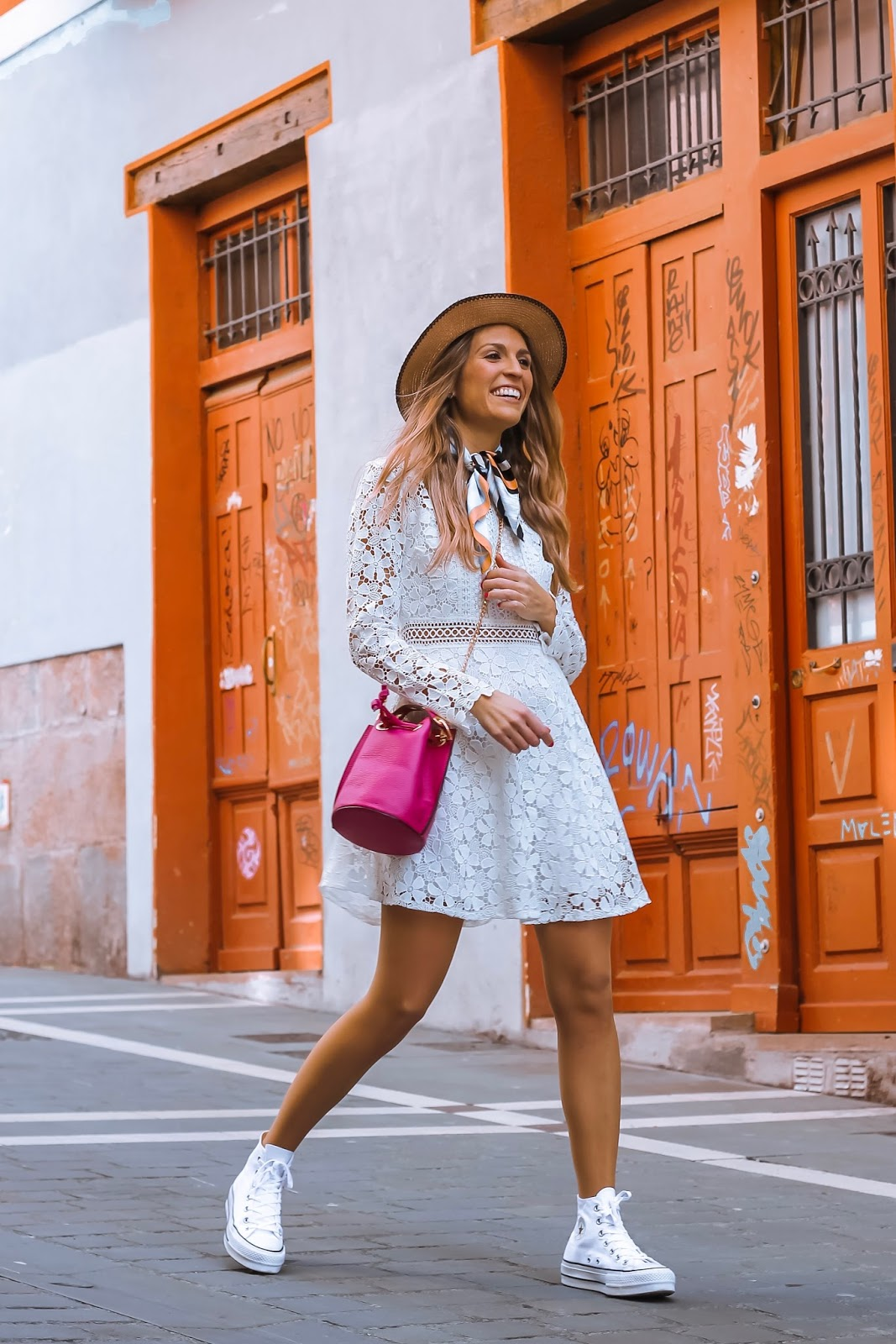 vestido blanco crochet evasé