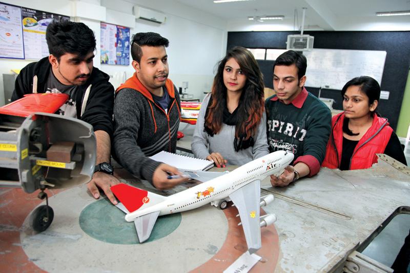 Aeronautical Engineering Universities in UK - Study in UK