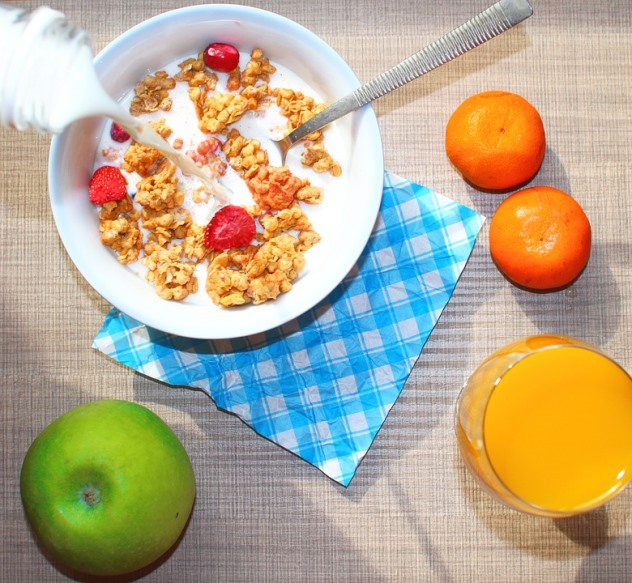 How to Avoid Winter Weight Gain Breakfast Cereal and Fruit