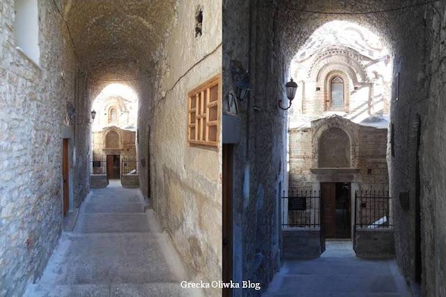 kościół bizantyjski ukryty w wąskiej hali średniowiecznej