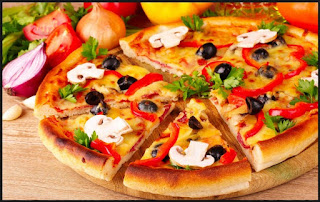 breadstick, junk food, pan pizza, pasta, pizza, pizza hut, potato wedges, salad bar, soft drink, pizza sehat, tips makan pizza