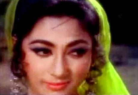Himalaya ki God Mein songs Downloadming