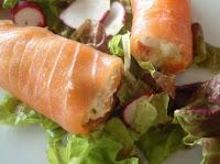 salmón ahumado con ensaladilla rusa