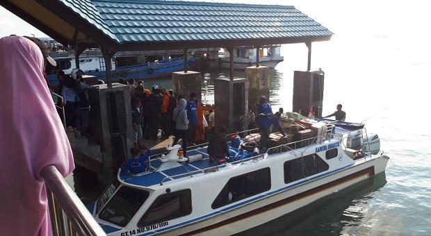 Bakamla SPKKL Tarakan Evakuasi Korban Tabrakan Speed Boat