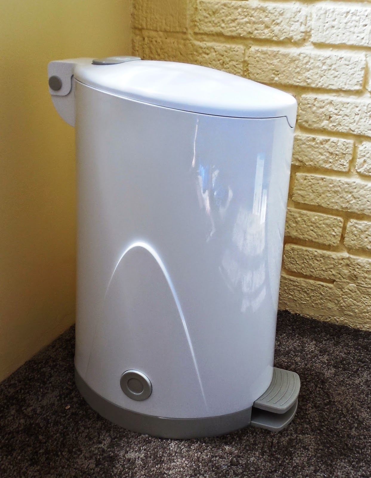 Whisper Diaper Pail