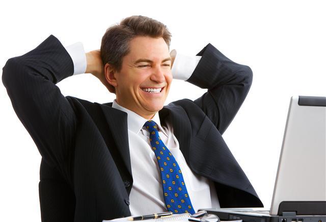 http://4.bp.blogspot.com/-3JMMNyt9VcI/TmjY64Oq1YI/AAAAAAAAAJ0/vvnd6YFcGXc/s1600/happy-man-looking-at-computer.jpg