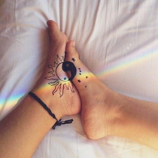 Tatuaj infinit love cu initiala