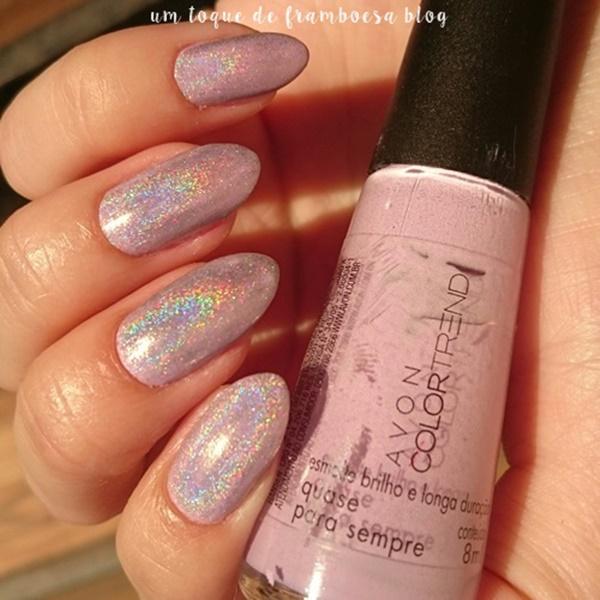 esmalte holográfico sobre esmalte lilás