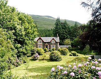 Loch Goil, Scotland, Mansefield House as seen on linenandlavender.net