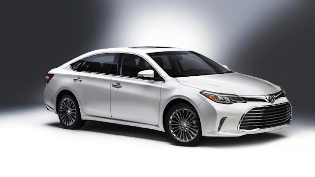 Toyota Avalon 2016 ra mắt với thiết kế năng động nhưng không kém phần sang trọng