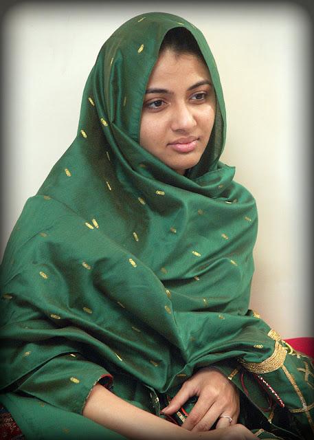 Kuwait malayali housewife whatsapp