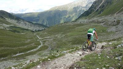 Technisches Mountainbiken mit einem Hardtail