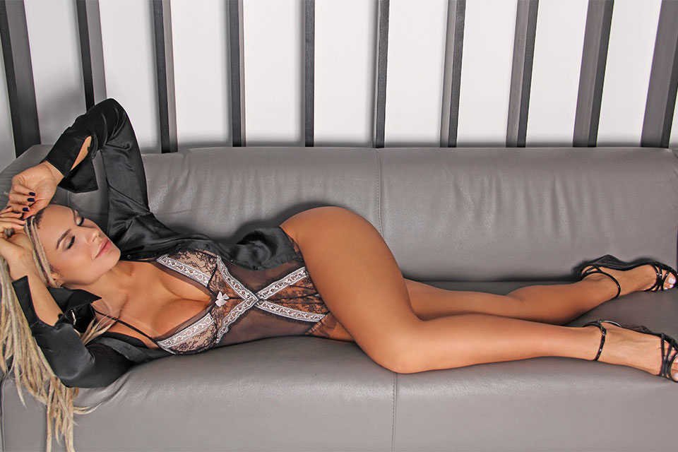 Fernanda Lacerda, a Mendigata mostra beleza e atitude em ensaio sensual. Foto: Jorge Beirigo