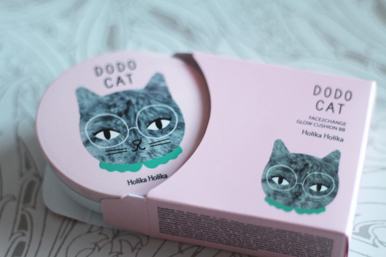 holika holika face2change dodocat glow cushion bb review compact and box