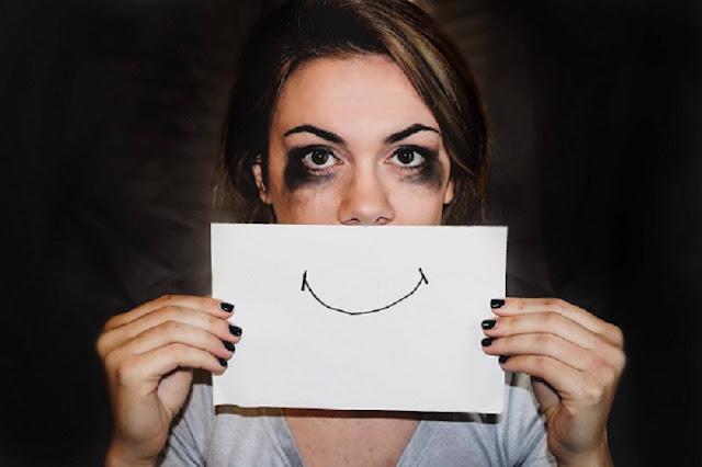 سلوكيات سامة تجعلك غير سعيد