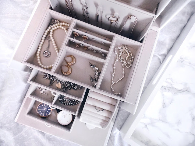 jewellery box with all drawers open