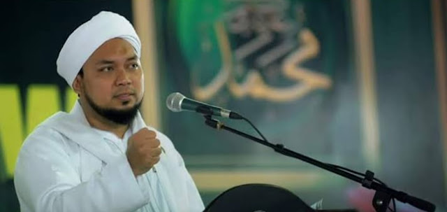 Dengan Basmalah, KHR Ahmad Azaim Ibrahimy Hipnotis Jemaah Hingga Bupati Salwa Menangis