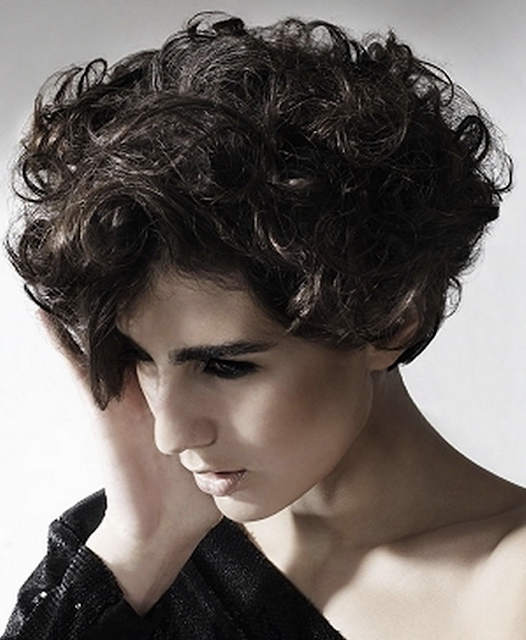 Short haircut for women with curly hair