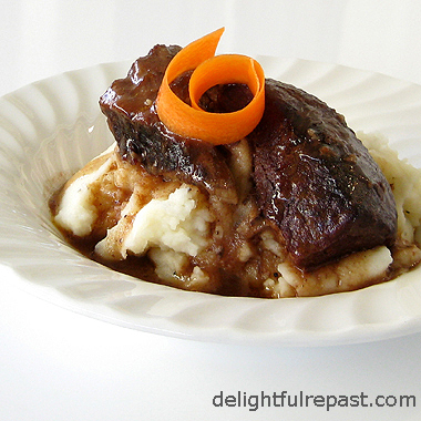 Short Ribs Braised in Wine / www.delightfulrepast.com