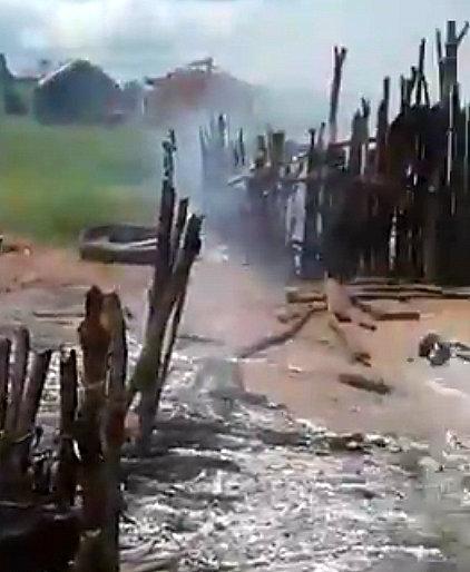 Violento desalojo y quema de casas indígenas en #Paraguay