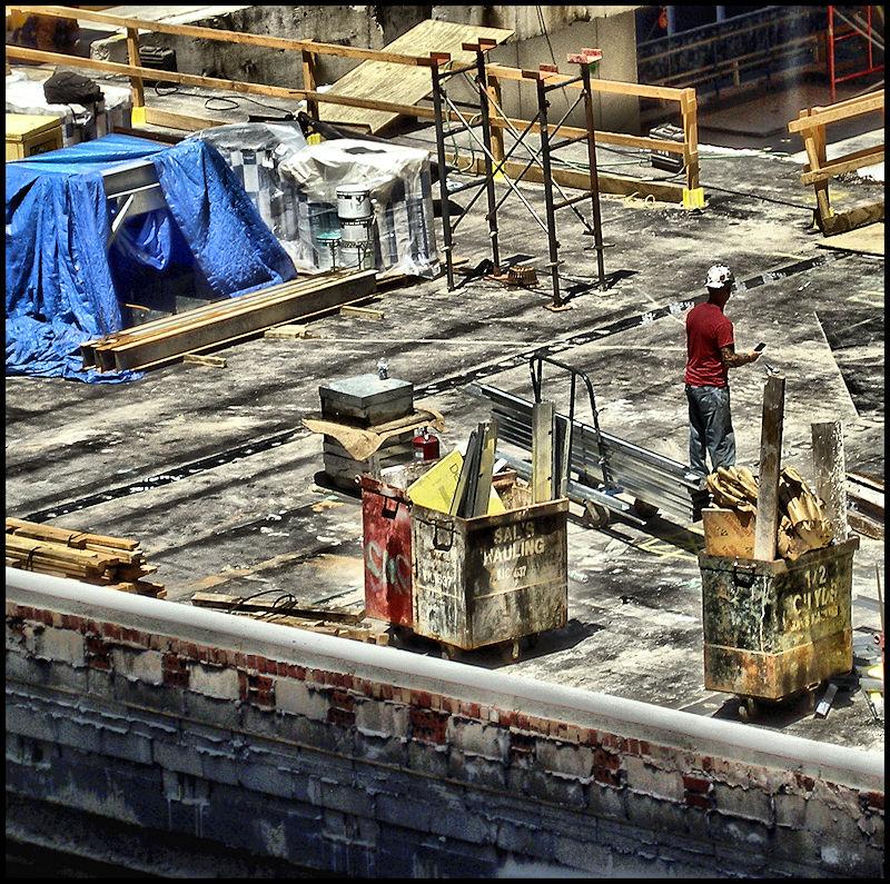 [Image: roofworker2SM.jpg]
