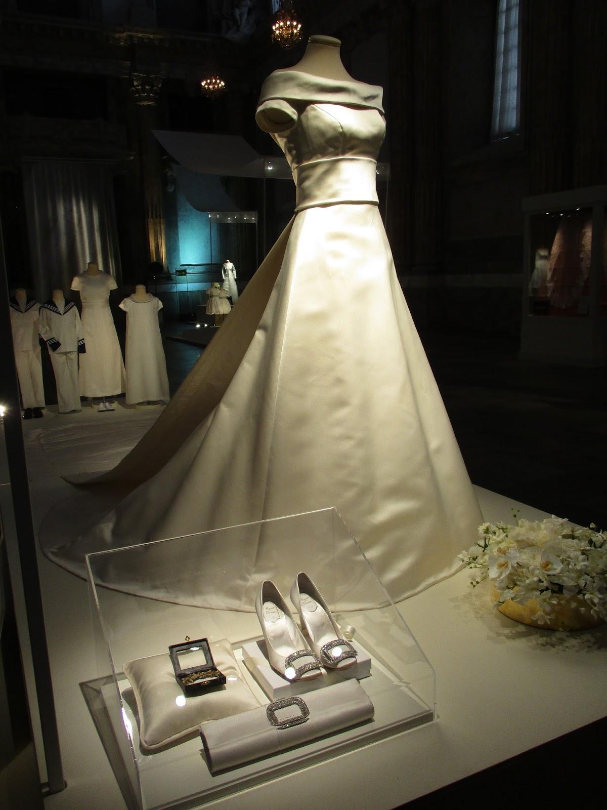 14fc99621fa1 Det är en mycket informativ utställning med många historier kring de  kungliga bröllopsdagarna. Det var riktigt kul att se den.