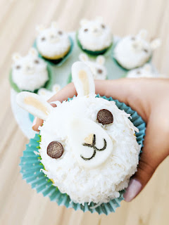 llama cupcakes