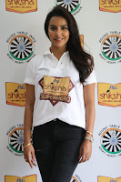 Actress Priya Anand in T Shirt with Students of Shiksha Movement Events 15.jpg