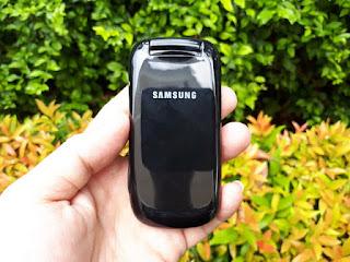 Samsung Caramel E1270 Seken Dual SIM Flip Phone Mulus