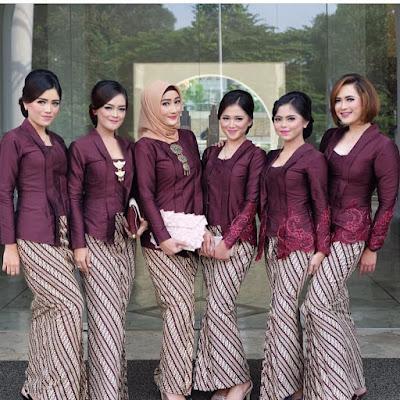 Model Kebaya Batik Parang Kecil Ungu