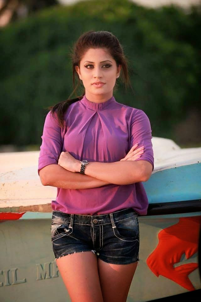 Our Lanka: Sri Lankan Models Photos ( 15 ) :: Hashini