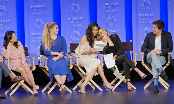 Pretty Little Liars - Paleyfest 2017 - Photos + Video Messages from Troian, Oliver and Lucy