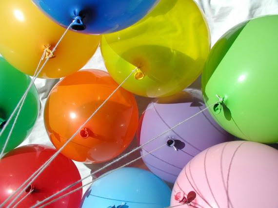 GambarGambar Balon dengan Warna Warni Cantik