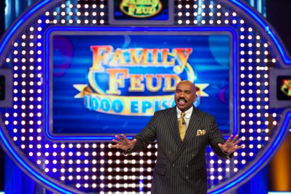 2010 steve harvey hosts family feud