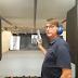 Vídeo de Bolsonaro testando pistola  americana viraliza na internet