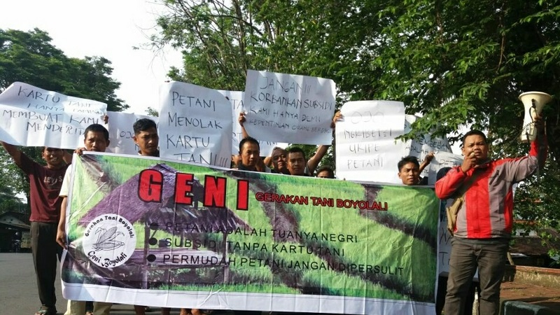 Petani Gelar Aksi Sikapi Kartu Tani yang Tidak Berpihak