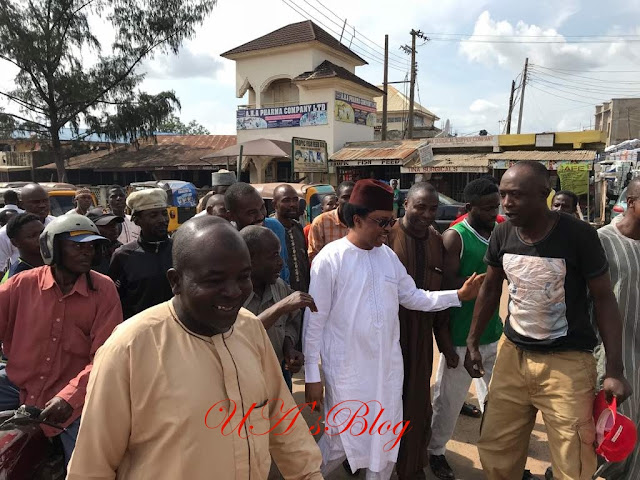 Senator Shehu Sani dares El-Rufai, moves freely at Kaduna Central market [PHOTO]