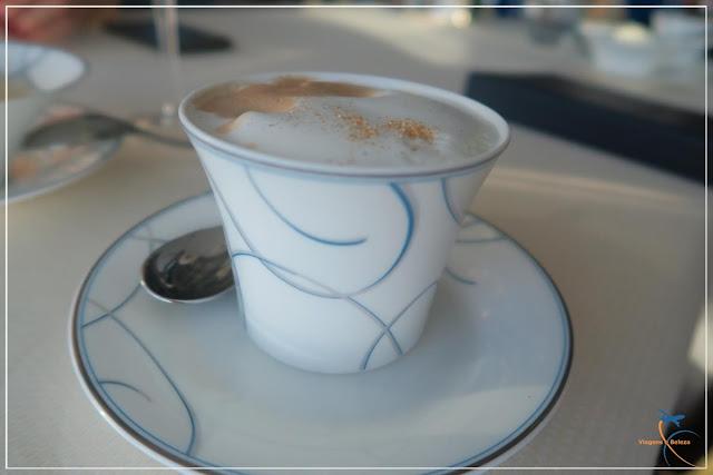 Afternoon Tea, no luxuoso Burj Al Arab