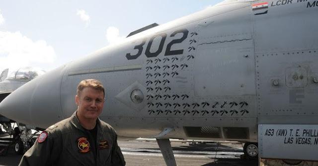 Thiếu tá Hải quân Michael Tremel