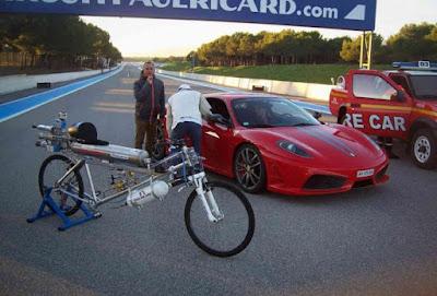 Ένα ποδήλατο πιο γρήγορο και από…Ferrari!