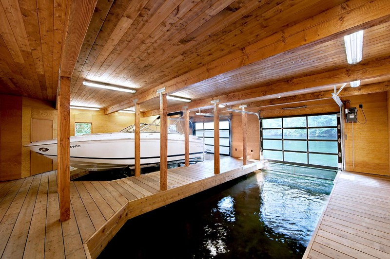 Wooden Pergola as Exterior Design in Small Boathouse ...