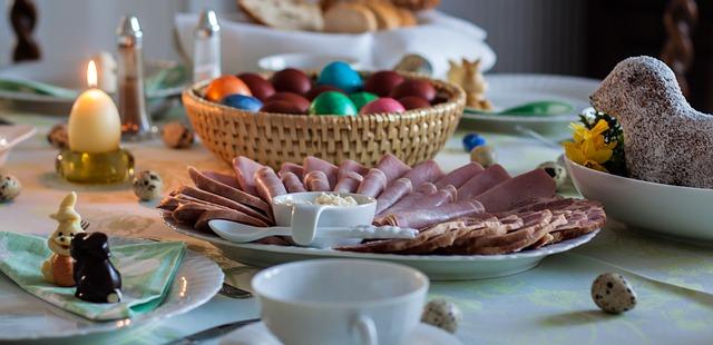 8 σχεδόν ανέξοδες ιδέες για να διακοσμήσεις το Πασχαλινό τραπέζι.