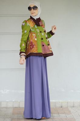 Model busana muslim lengan panjang atasan batik