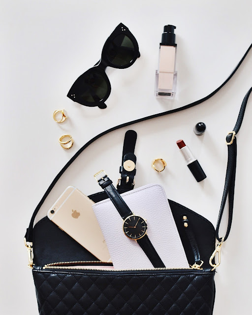5 Must-Have Items In My Handbag