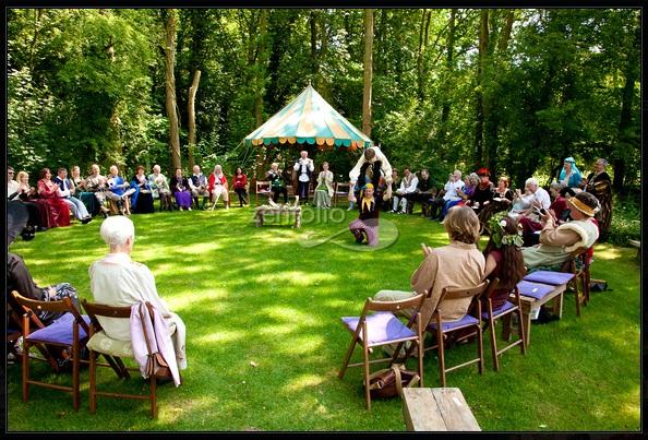 Medieval Bride: Sue and Stanley's Medieval Wedding