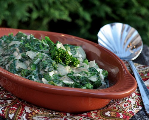 Healthy Creamed Spinach, another healthy recipe makeover ♥ AVeggieVenture.com