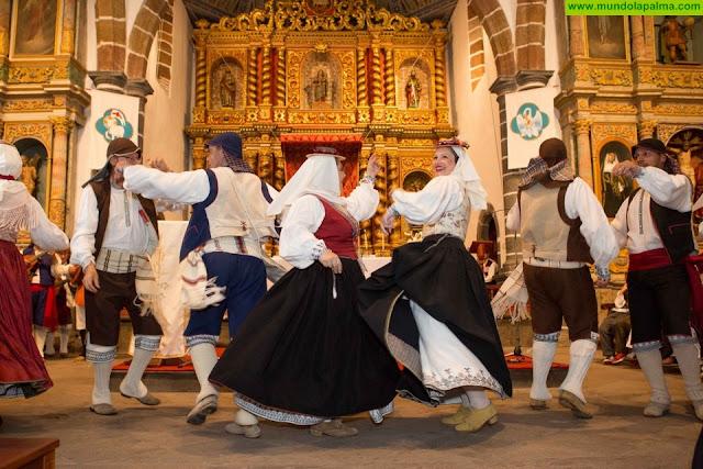 Puntallana da los primeros pasos para formar la escuela de folklore