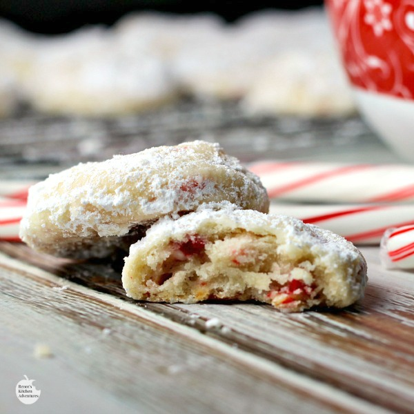 Peppermint Shortbread Cookies | by Renee's Kitchen Adventures - Wonderful recipe for a buttery peppermint Holiday cookie! #RHfood